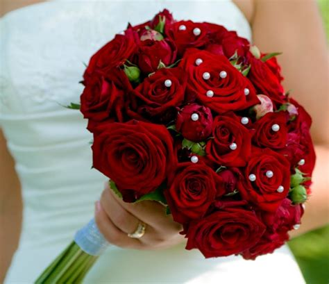 wedding bouquet red rose bouquets  weddings