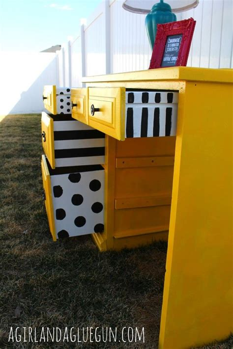 30591 redoing furniture adorable best 25 desk redo ideas on chalk paint desk