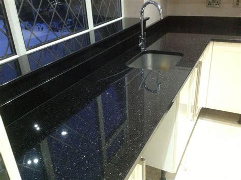 Küchen Mit Granitplatten by Pin Achim Fuchs Auf Granit Arbeitsplatten Granite
