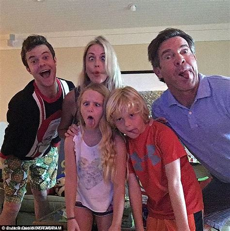 dennis quaid family movies dennis quaid shirtless to show off abs as he holidays in