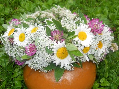 Padoms māmiņām: Kā pagatavot izturīgākos ziedu vainagus ...
