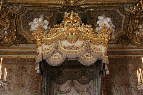 la chambre de la reine file château de versailles chambre de la reine lit 03