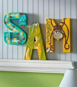 Buchstaben Deko Kinderzimmer : buchstaben deko eine untypische doch attraktive weise den raum aufzupeppen ~ Orissabook.com Haus und Dekorationen