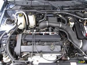 Ford Escort Sedan 2002
