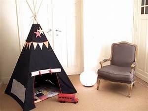 Tente Interieur Enfant : cabane enfant interieur tipi ~ Teatrodelosmanantiales.com Idées de Décoration