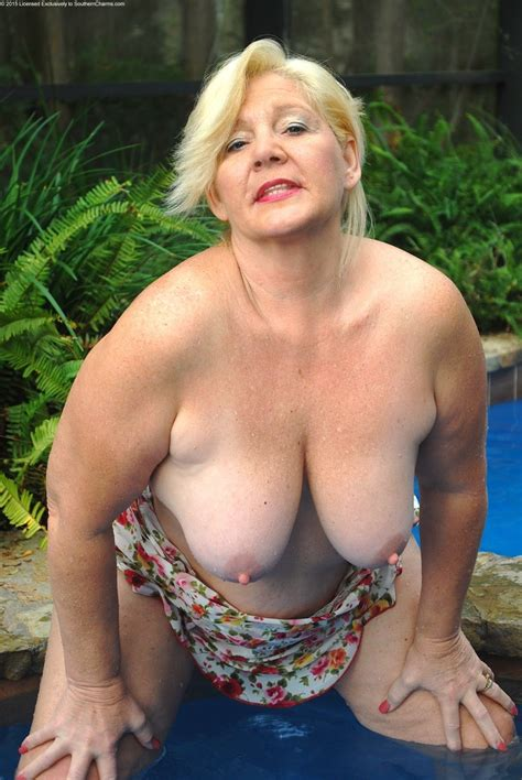 Archive Of Old Women Curvy Blonde Grandma And Mature Girlfriends