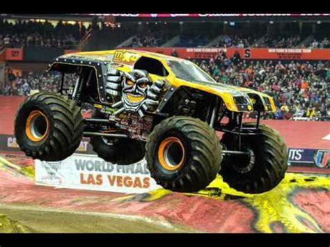monster truck show sydney i m going to monster jam in sydney australia at the anz