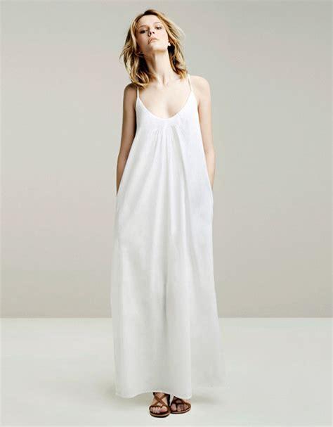 robe longue classe zara robe longue zara blanche ete fines bretelles la robe longue