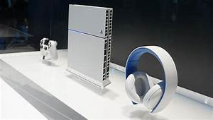 White PS4 - The Awesomer