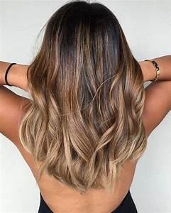 Hellbraune Haare Mit Blonden Strähnen : trendige frisuren m derne haarfarben und haarschnitte ~ Frokenaadalensverden.com Haus und Dekorationen