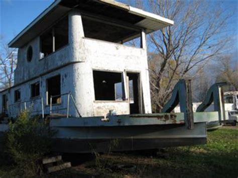 Old Boat House For Sale by Identify An Old Houseboat Is There Identification