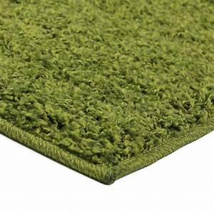 petit tapis shaggy pas cher vert 60x110cm monbeautapiscom With tapis shaggy avec canapé 1000 euros