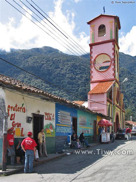 Tiwy.com - Iglesia en Santo Domingo, estado Merida, Venezuela