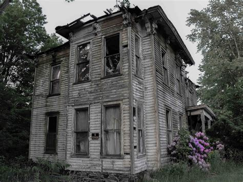 haunted house america s 12 scariest real haunted houses business insider
