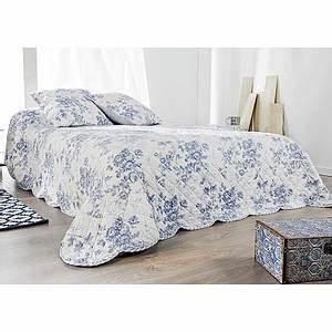 couvre lit boutis cabourg taies d39oreiller assorties With tapis chambre bébé avec jete de lit fleuri