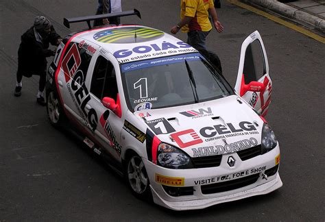 renault clio v6 modified renault clio cup wikipedia