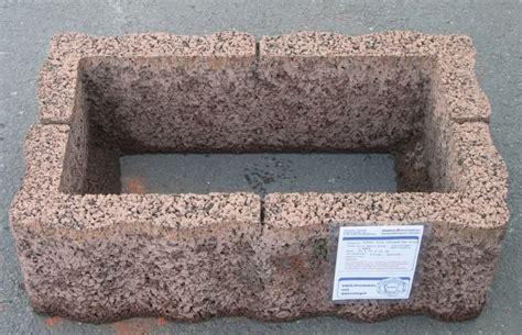 pflanzsteine rotbraun pflanztroege boeschungssteine