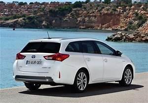 Toyota Auris Break Hybride : toyota auris break hybride les prix les versions ~ Medecine-chirurgie-esthetiques.com Avis de Voitures