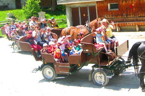 carrozze per cavalli foto carrozze trainate da cavalli albergo ristorante