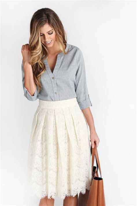 Best 25+ White lace skirt ideas on Pinterest | Lace skirt White lace and Lace skirt outfits