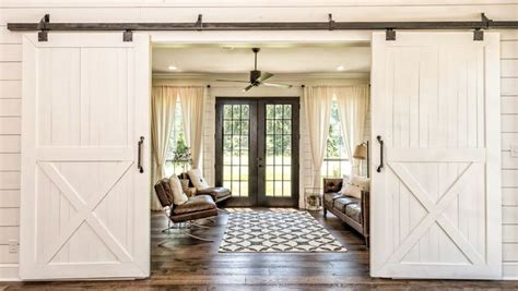farmhouse chic 10 home decor tips from chip and joanna