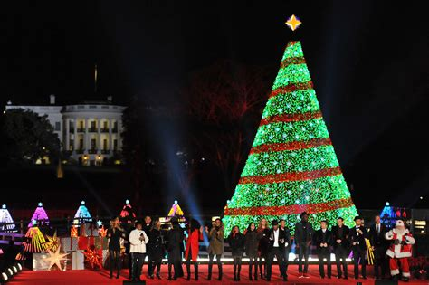 National Tree Lighting by Miss Piggy To Appear At 2015 National Tree Lighting