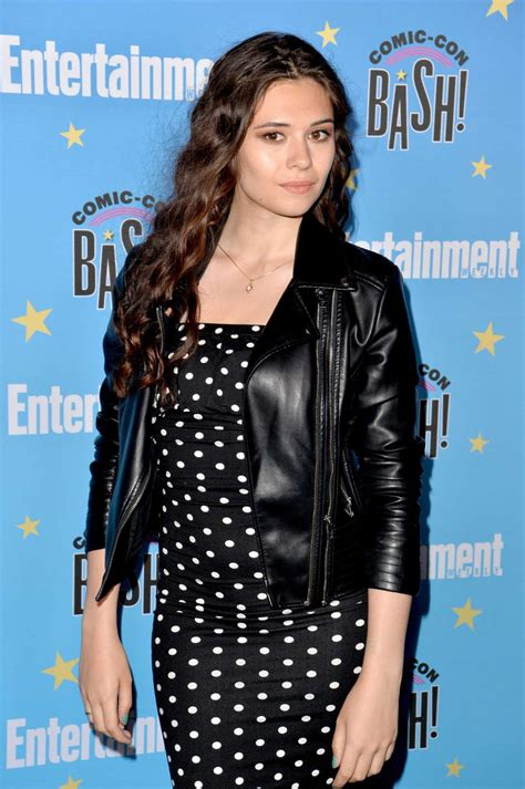 nicole maines attends entertainment weeklys comic