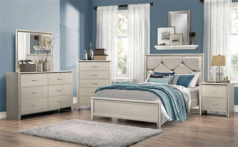 Coaster Lana Upholstered Bedroom Set  Silver 205181
