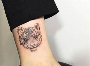 Tattoos Mit Bedeutung Für Frauen : tiger tattoo seine bedeutung und 30 tolle design ideen ~ Frokenaadalensverden.com Haus und Dekorationen