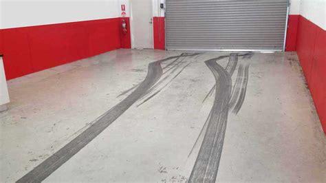 Piastrelle Garage Prezzi by Piastrelle In Gomma Per Garage Pavimentazione In Gomma