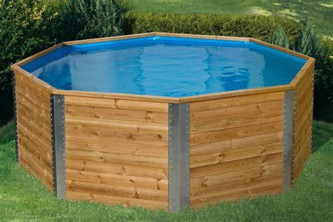 schwimmbecken aus holz swimmingpool holzpool pool im garten