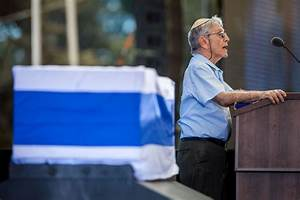 Amos Oz: 'Where are the brave leaders, Shimon Peres's ...