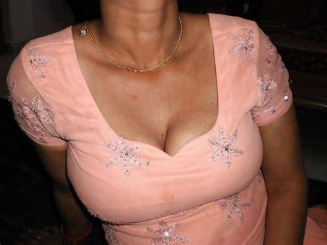 Pakistani Wife In Salwar Kameez Showing Boobs 5 Pics
