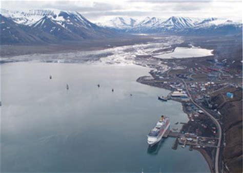 cruises longyearbyen spitzbergen longyearbyen cruise ship arrivals