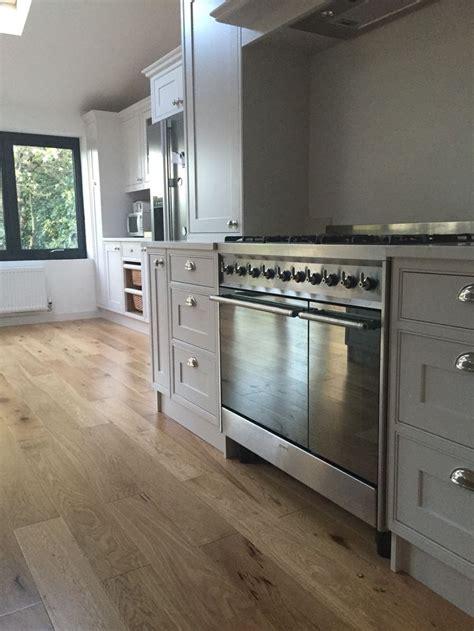 Kitchen Cupboard Colours by Best 25 Dulux Cupboard Paint Ideas On Living