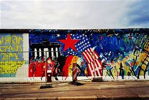 Berlin wall a perfect canvas to paint freedom fun news for Berlin wall art