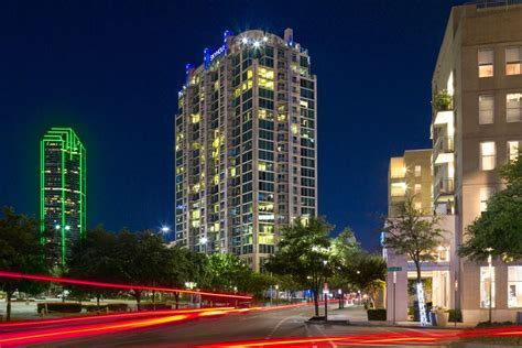 Victory Park Apartments: SkyHouse Dallas   Dallas, Texas