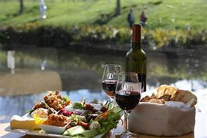 Auckland wine tours with Bush and Beach