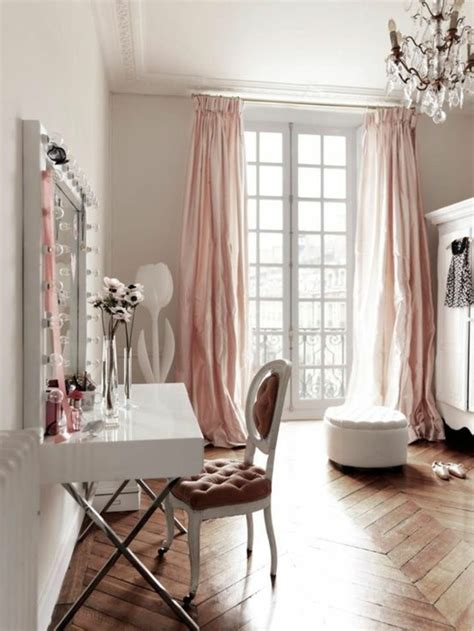 la deco chambre romantique 65 idées originales archzine fr