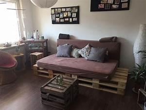 Matratzen Für Paletten Sofa : diy sofa aus europaletten und zwei matratzen diy sofa couch selfmade paletten in 2019 ~ A.2002-acura-tl-radio.info Haus und Dekorationen