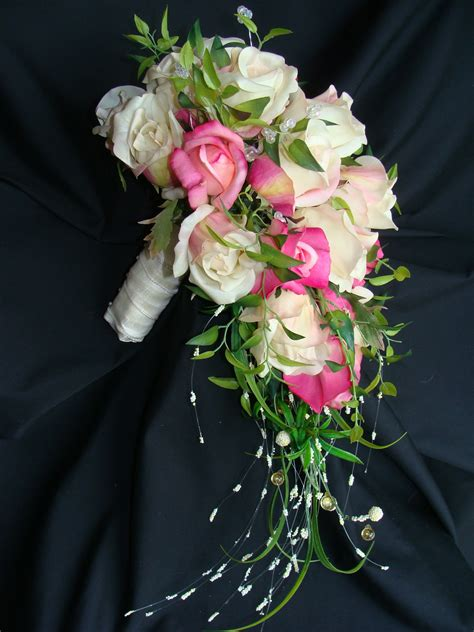 Make Your Own Bridal Flowers & Wedding Bouquets (With