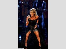 Carrie Underwood's Short Legs Pictures