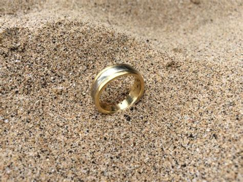wedding ring lost in ocean lost men s wedding ring found in the ocean at beach 69