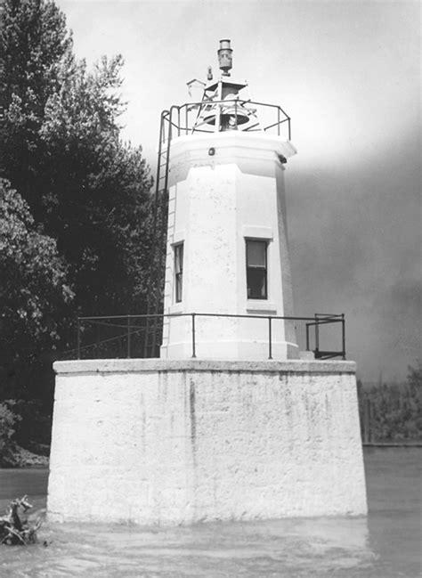 warrior rock lighthouse oregon  lighthousefriendscom
