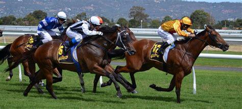horse jockeys