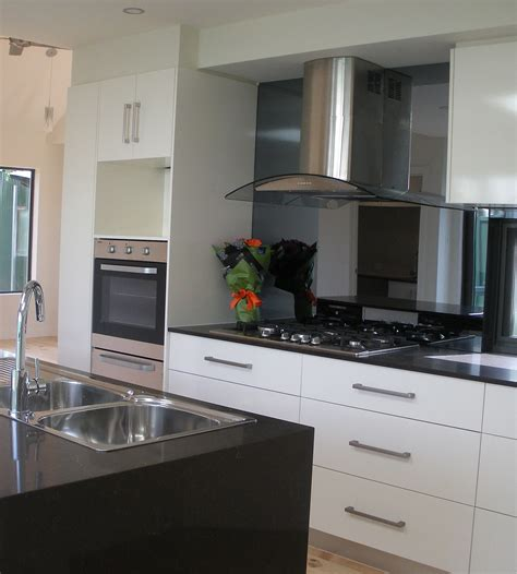 pin by mahar on interiors white modern kitchen
