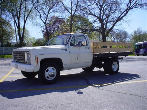 chevy   ton dually flatbed stakebed