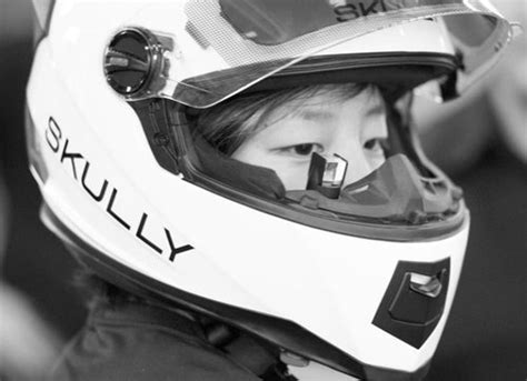 Aussenle Mit Integrierter Kamera by Skully Smart Helmet Gives Motorcycle Riders A 360 View