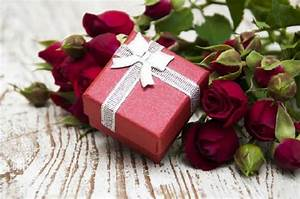 Unique Indian Wedding Gift Ideas for Couples - Bride & Groom