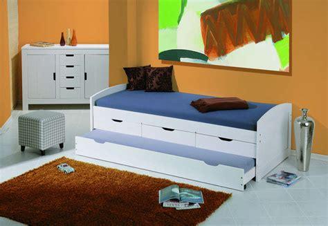Doghe letti, destinazione d'utilizzo finale: Letto bianco moderno Irene,legno massello, con 3 cassetti ...